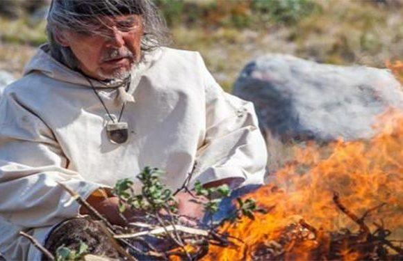 Pirmo reizi Latvijā viesosies eskimosu šamanis Angaangaq Angakkorsuaq un vadīs trīs dienu semināru ar tradicionālo sviedru telts ceremoniju. 24. 05. – 26. 05.