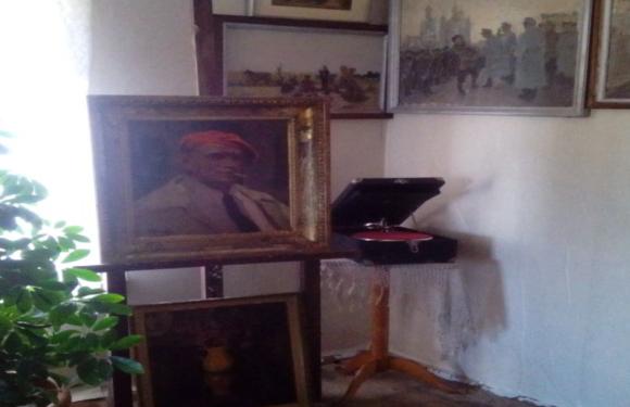 Gleznotājā Nikolaja Rutkovska memoriālā istaba